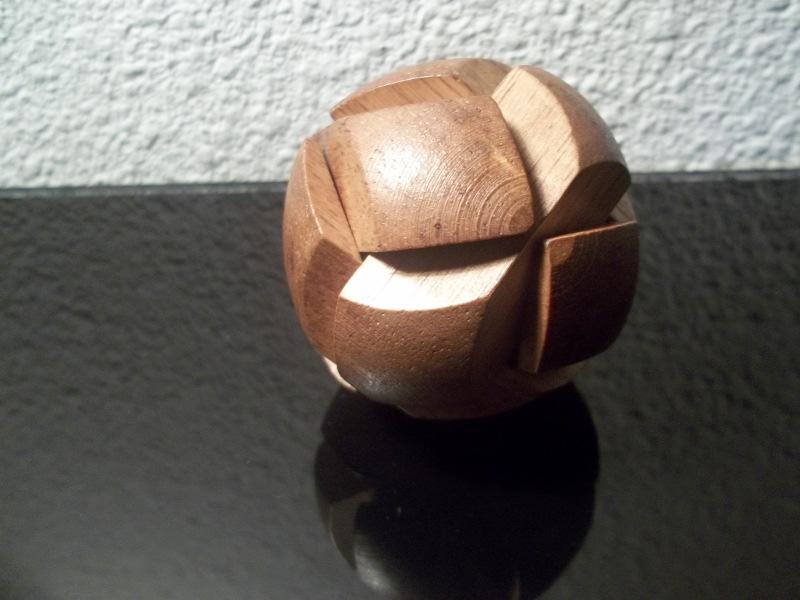 Cassetête  la sphère en bois